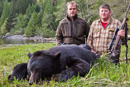 bc-black-bear-hunting-photo-canada-peter-johansson-jan-ove-lundkvist-2013-SLIDER